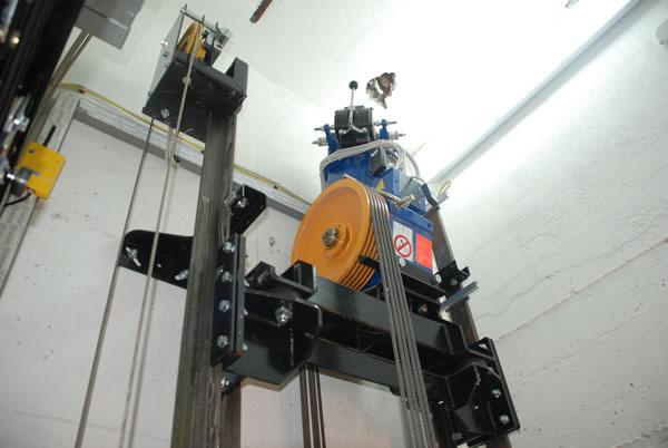 Collaudo e verifiche di impianti elevatori